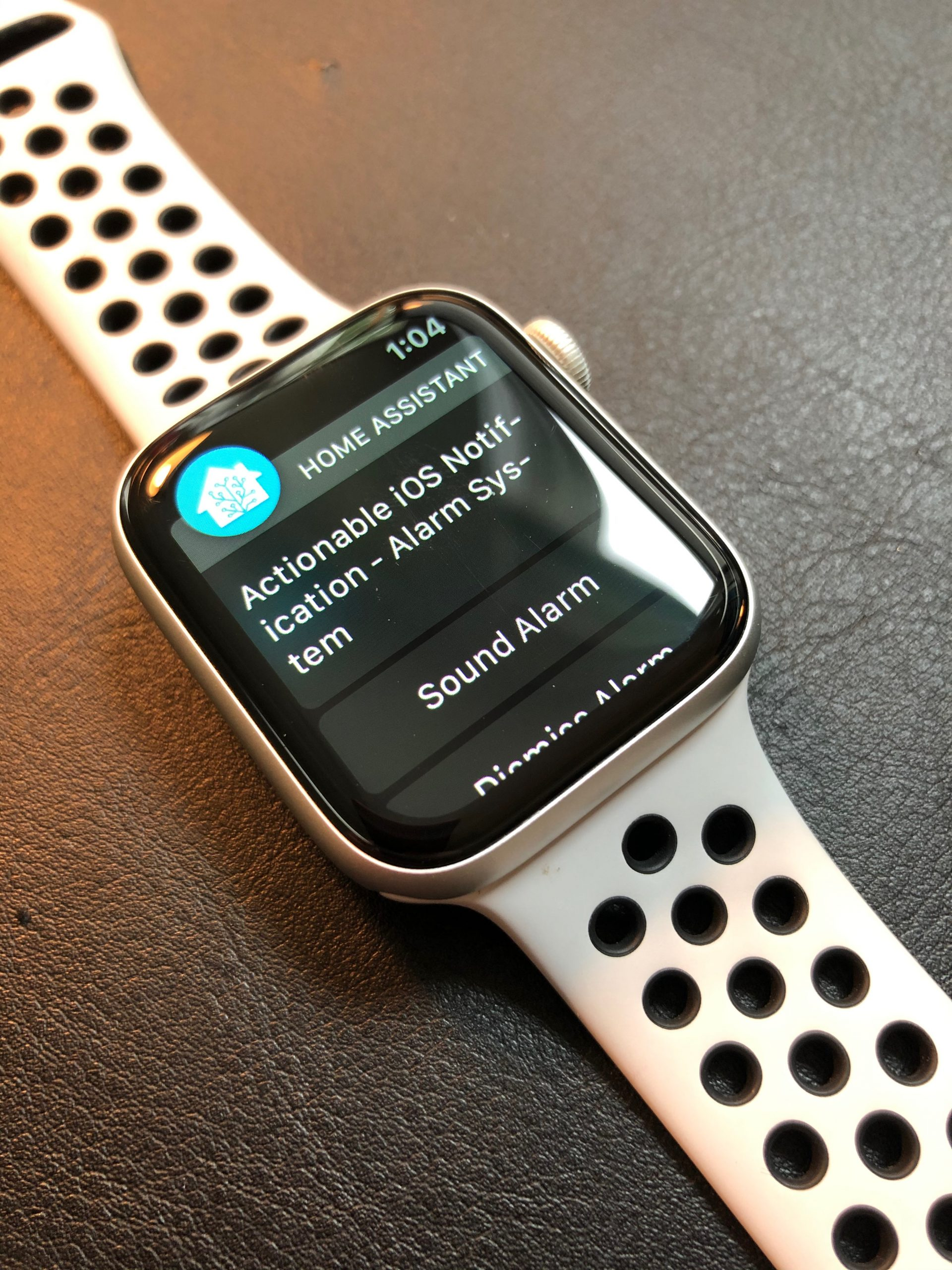 iOS Actionable Notification received on Apple Watch